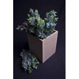 The bouquet is 30 cm.