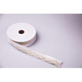 Стрічка мереживна бавовняна на клейкій основі 2 см.