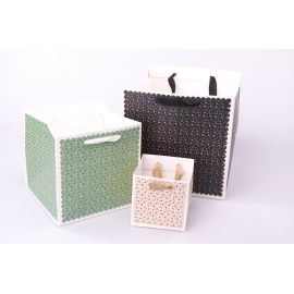 The cube package is 17 cm × 17 cm × 17 cm