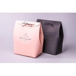 Коробка со шнуром 25 см × 20 см × 11 см пудровая