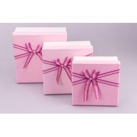 Коробки для подарунків квадратні кремово-рожеві з бантом