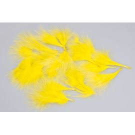 Natural feathers (yellow) in a pack