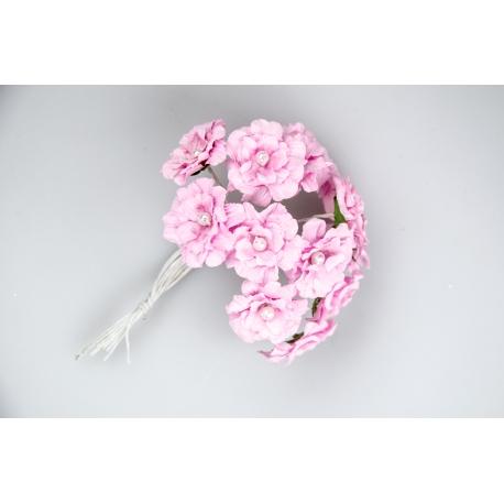 Бутоньерка камелия зефирная розовая