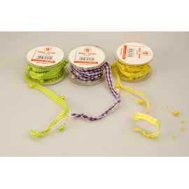 Synthetic ribbon with beads