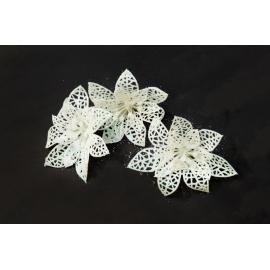 Штучні головки квітів пуасетія біла