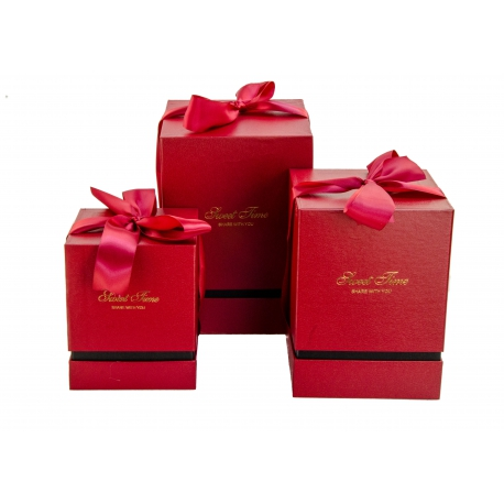 A set of cubic boxes for gifts with 3 pcs 136 red