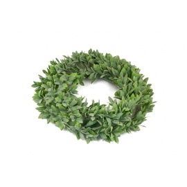 Wreath of artificial leaves