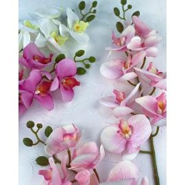 Искусственные цветы, бутоньерки